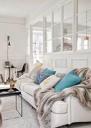 白色系客厅沙发摆放图片