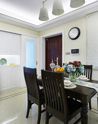 美式风格三室两厅餐厅装潢设计图