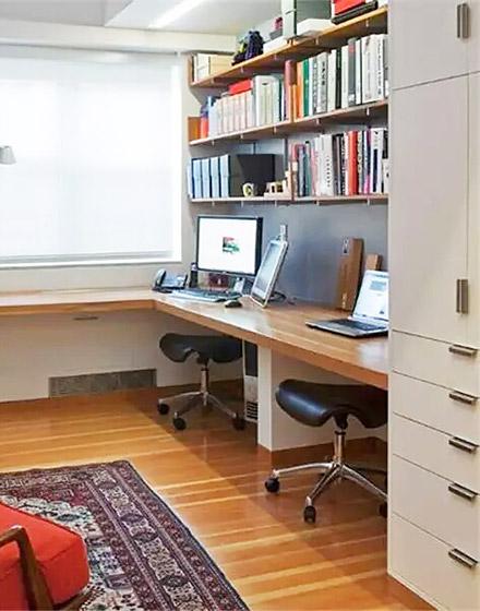 阳台转角书桌装修设计图