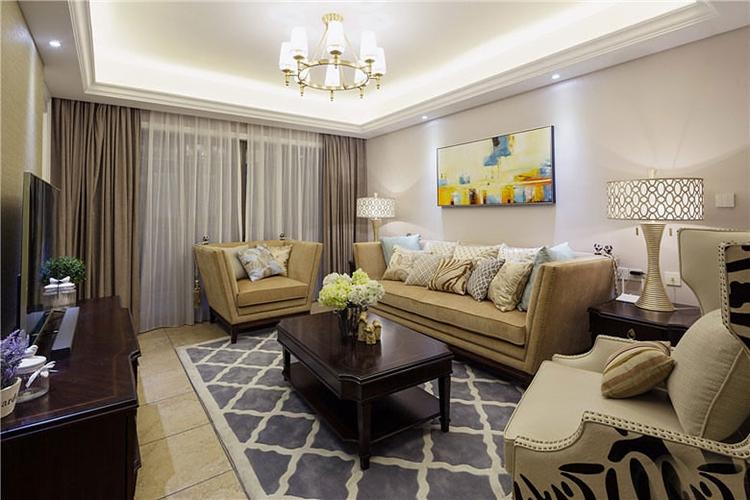 130平三居室欧式装修客厅设计