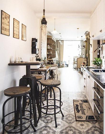 另类花样厨房瓷砖地板装修