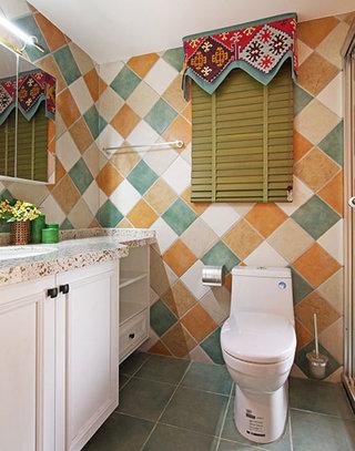 55平美式混搭二居室卫生间效果图