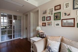 75平温馨小户型装修沙发背景墙设计