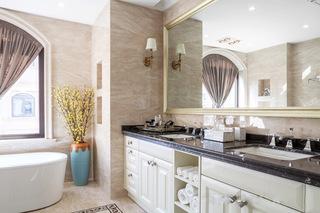 245平休闲美式三居室主卫生间装修设计图