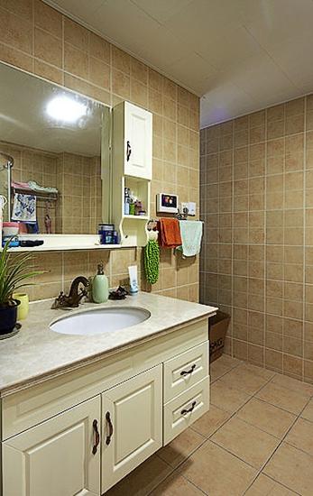 89平温馨小户型装修卫生间设计