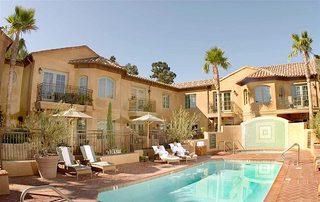 庭院游泳池经典设计风格图片