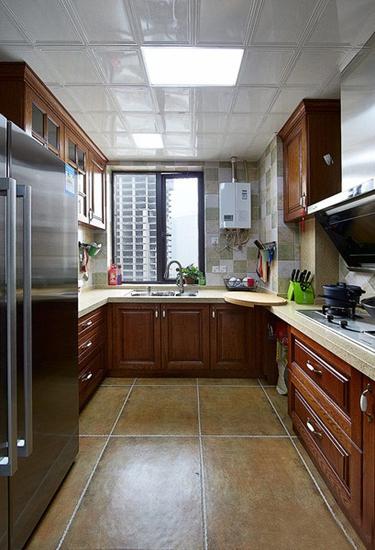 休闲美式厨房 U型实木橱柜设计