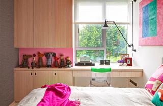 现代简约小别墅女孩房装修设计图