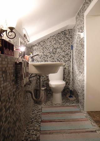 阁楼卫生间装饰效果图