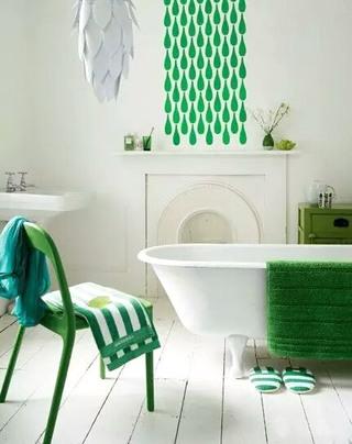 卫生间清新壁纸装修