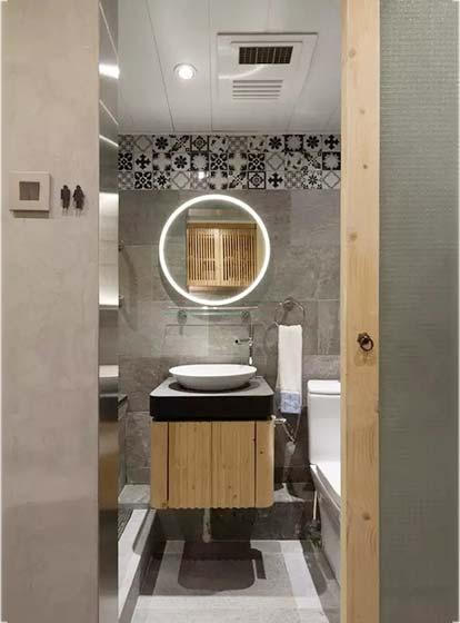 卫生间镜子特色创意图