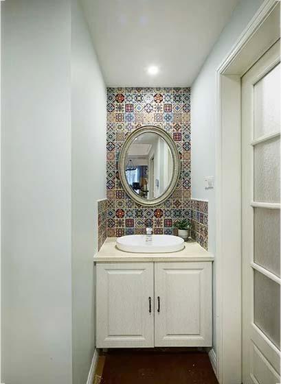 卫生间镜子构造图片