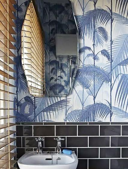 蓝色卫生间墙面壁纸图片