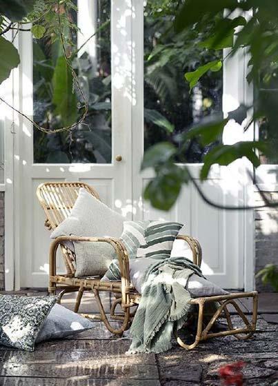 庭院竹椅子装修装饰效果图