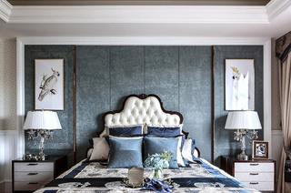 335平法式别墅卧室背景墙装修