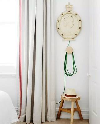 110平公寓卧室窗帘图片