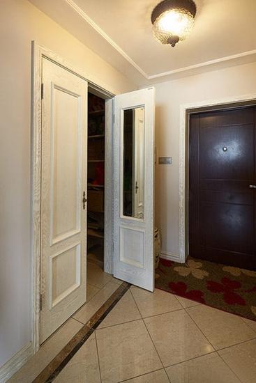 美式风格三房两厅装修玄关设计图片