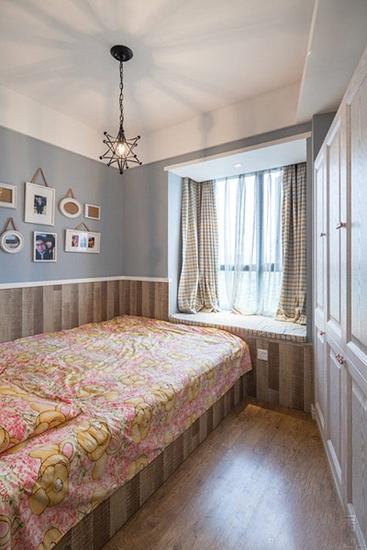 清新欧美儿童房带飘窗设计