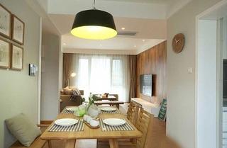 日式风格小公寓装修木质餐桌图片