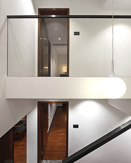 200平错层复式楼梯扶手图片