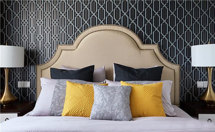 新古典风格三居室装修卧室床头软包