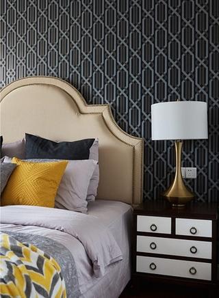 新古典风格三居室装修床头柜图片