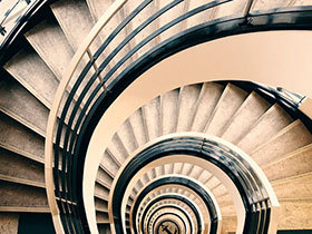 旋转跳跃我闭着眼  10个旋转楼梯设计图片