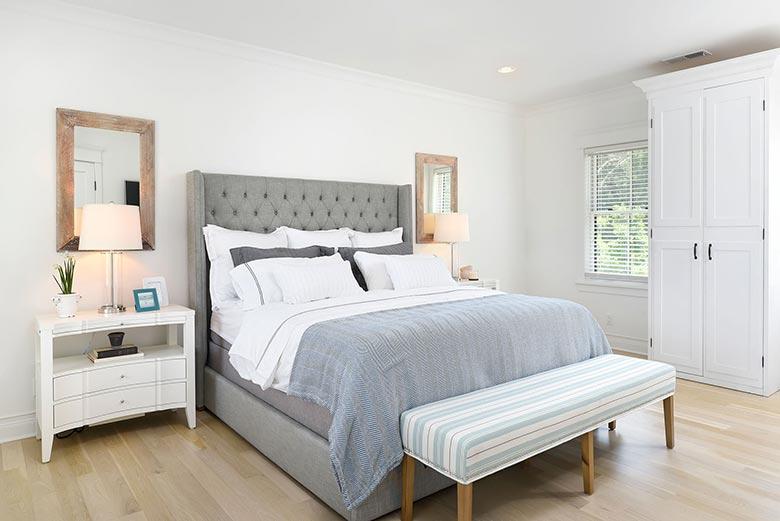 素色简洁美式卧室效果图