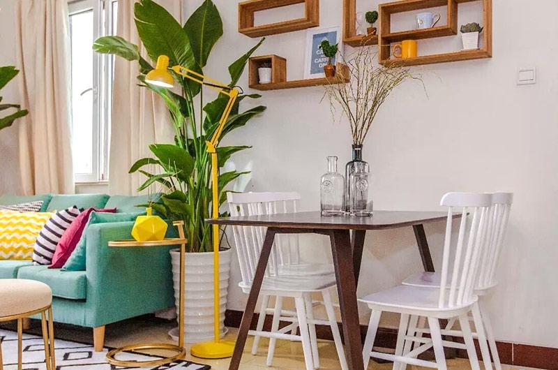 北欧风格单身公寓餐桌效果图