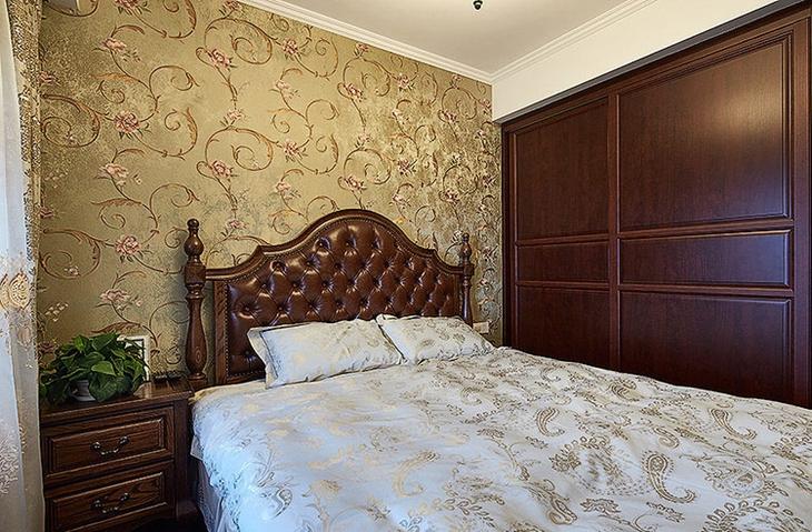 华丽古典美式主卧 花色背景墙设计