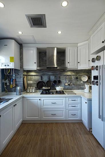 简美式厨房 U型橱柜装饰效果图