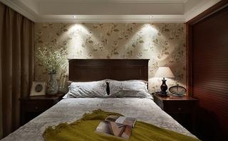 美式风格小三室装修卧室木质床头