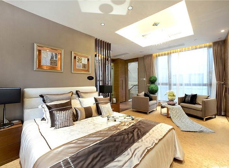 时尚现代简欧风主卧带客厅设计