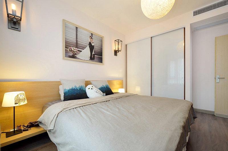 93平简约两居室卧室衣柜设计