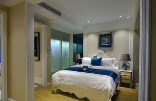 欧式风格两居室装修卧室带衣帽间装修