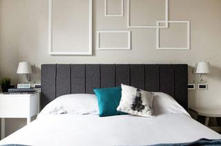北欧风卧室背景墙线条框设计