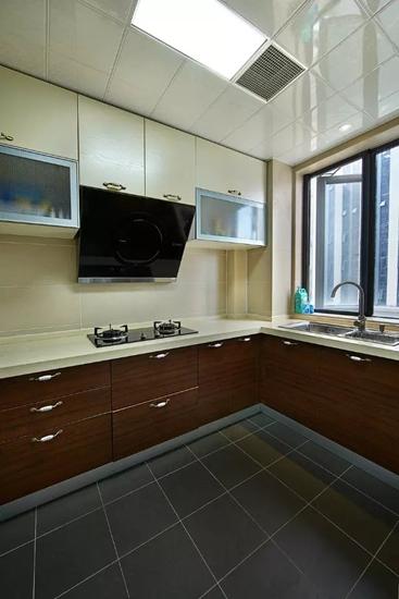 美式风格三居室装修整体厨房装修图