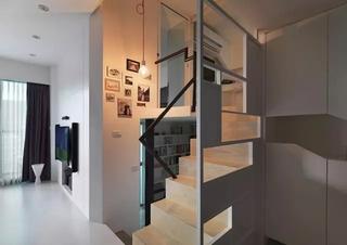 小户型loft装修镂空隔断图片