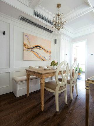 130平米简美两居室餐厅图