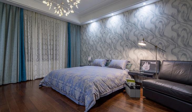 30万装120平三居卧室沙发图