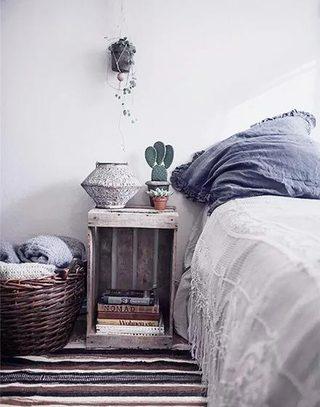 创意床头柜装修装饰图片