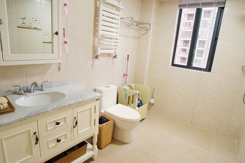 140㎡美式三居室卫生间设计图