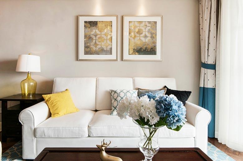 精致美式沙发照片墙设计