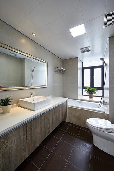 好看又舒适的新家 130平三室两厅装修卫生间设计