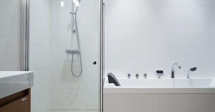 北欧风格公寓卫生间淋浴房设计