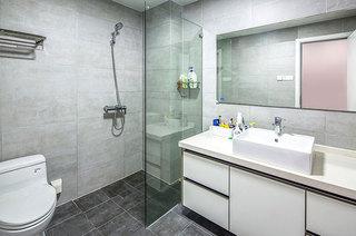 150平简约复式楼浴室效果图