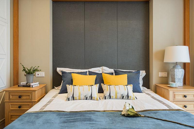 170平美式风格卧室床头设计