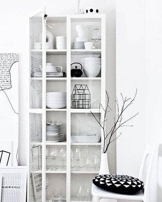 简约白色玻璃橱柜效果图