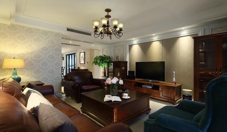 美式风格三居室客厅木质家具