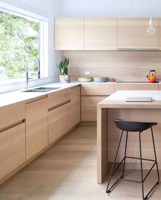 日式风格厨房木质橱柜装修